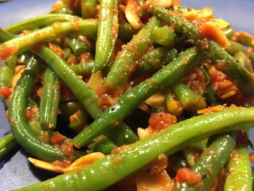 Photo of SCD green beans on a plate. I have even used this previously as one of my paleo side dishes for thanksgiving. This could be an alternative to a paleo green bean cassarole recipe.