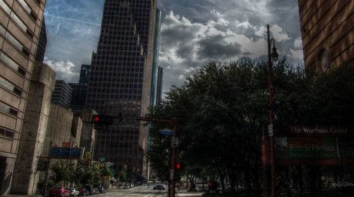 Screenshot of downtown Houston Texas - This article focuses on Paleo meal delivery Houston Texas options for getting grain free, healthy, organic, gluten free, and sustainably sourced meals delivered to your home or office if you live in the greater houston region